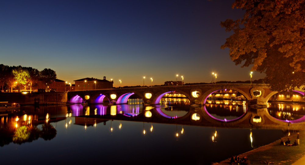 Toulouse at night - Jacques Goba - United Souls